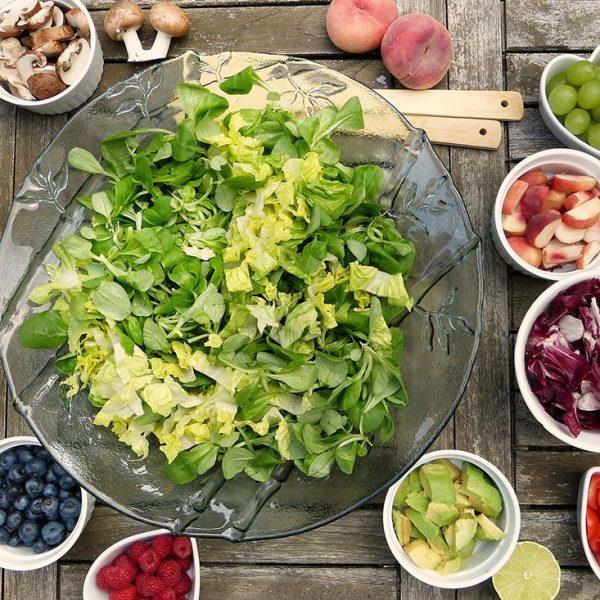 Rezeptideen - Lecker leichte Sommersalate bei heißem Wetter